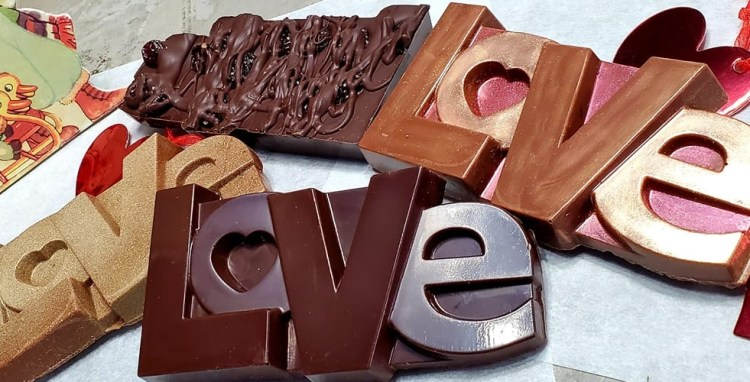 valentines day chocolate bars from sky bear confections