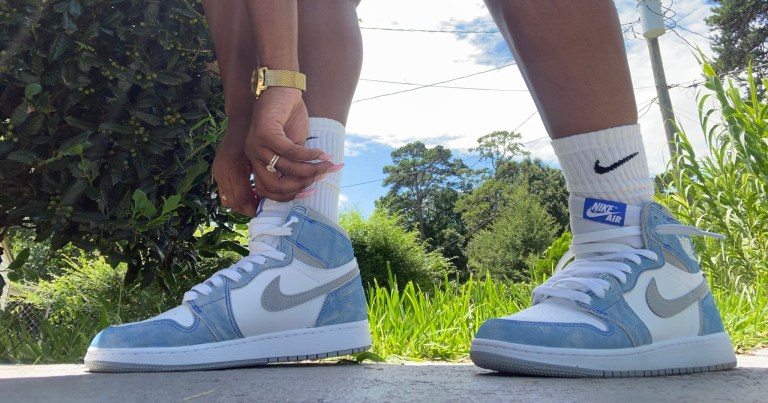 Lit summer sneaker trends + local spots to get your next pair