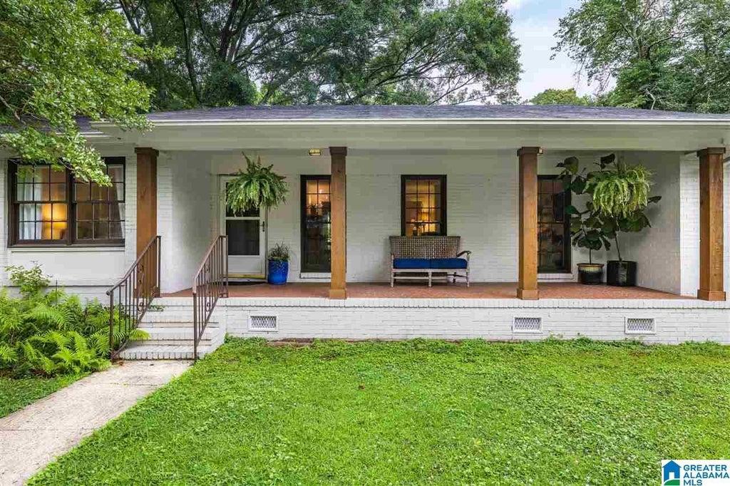 Ray & Poynor home listing