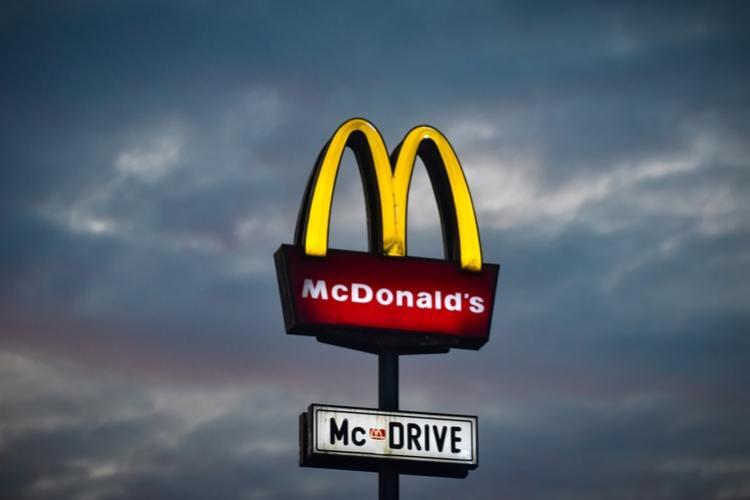 a mcdonalds store sign