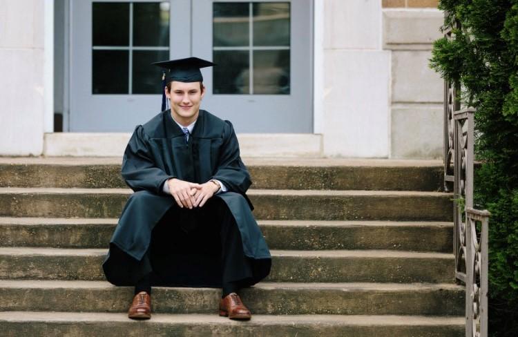 UNA graduation