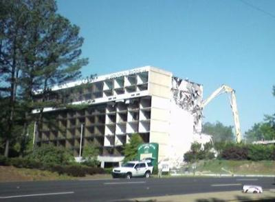 Mountain Brook Inn razing begins