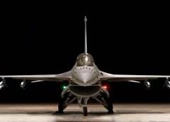 एक पुराने रुसी लेकिन आधुनिक तकनीक से लैस मिग-21 फाइटर प्लेन से अभिनन्दन का अमेरिका-निर्मित एफ-16 लड़ाकू विमान (जो हवा से हवा में मार करने वाली एमराम मिसाइल से लैस था) पर इस तरह नजदीकी लड़ाई में वार करना दुनियाभर के वायु सेनाओं के लिए एक अद्भुत मिसाल बन गया है. सचमुच, ऐसा दुनिया में पहली बार हुआ है, जो अभिनन्दन ने कर दिखाया.