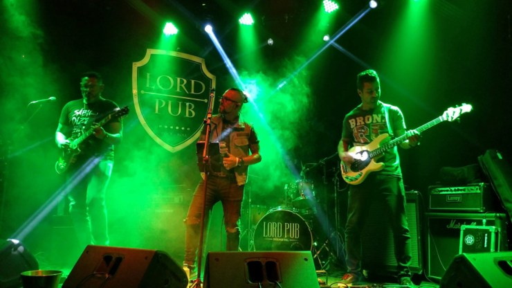 lord_pub_banda_rock_machine