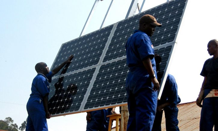 BHESCo Blog Impact Ivesting - Solar Panlels Installed on a Health Clinic in Rwanda