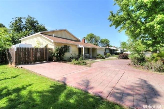 3207 Kentfield, Sacramento, CA 95821