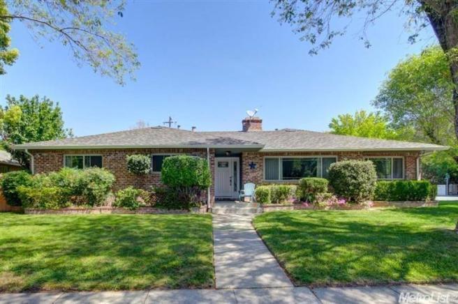 6573 S Land Park Dr, Sacramento, CA 95831