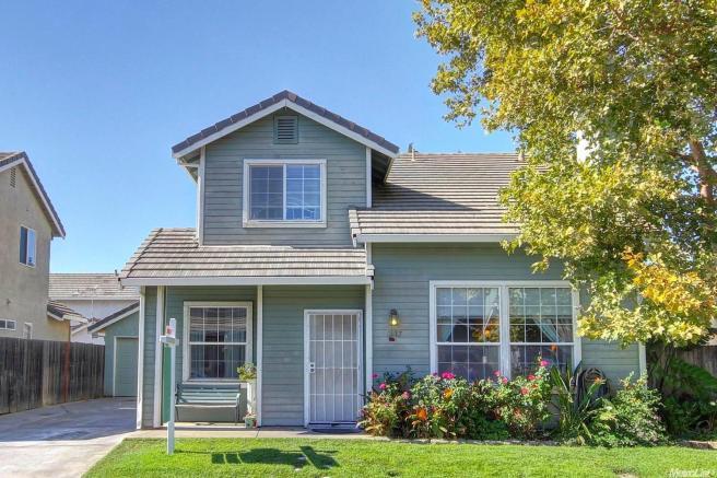 7417 High Point Ln, Sacramento, CA 95842