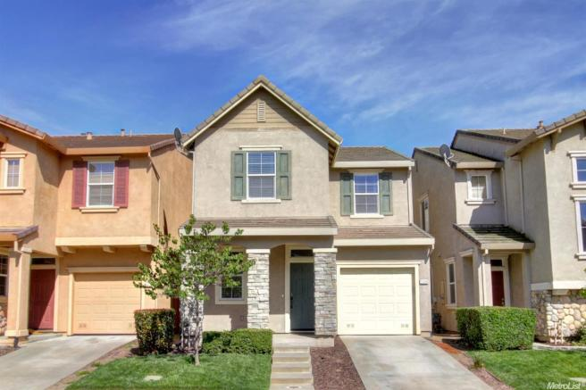 2509 Huckleberry Cir, West Sacramento, CA 95691