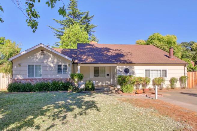 3200 Brookwood Rd, Sacramento, CA 95821