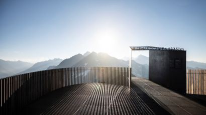 Ötzi Peak 3251m by noa