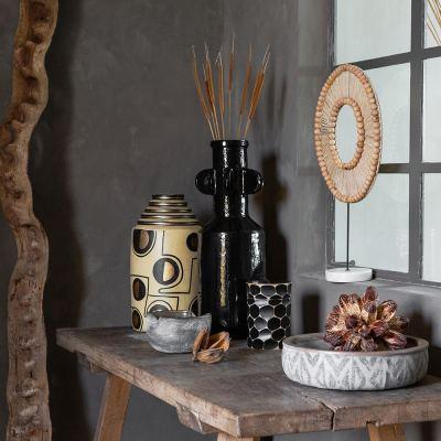 circle-wooden-pot-with-lid-black-04-amara