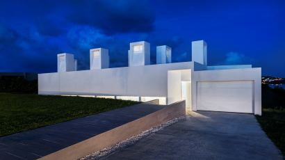 Casa Flores by Fuster + Architects