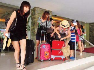 Chinese Tourists Start Flocking into Zimbabwe