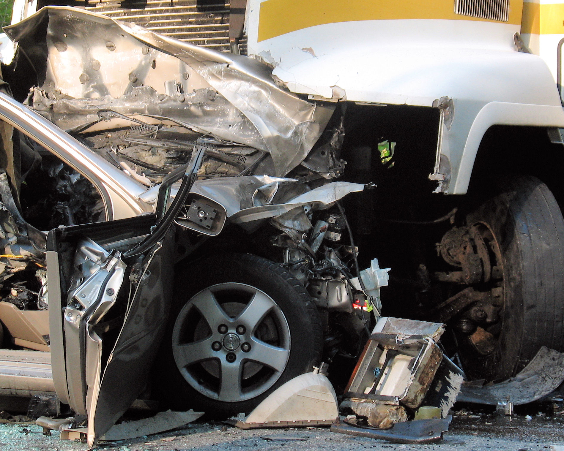 Uncategorized pictures of car accidents bad car - Tampa Car Accident Attorneys