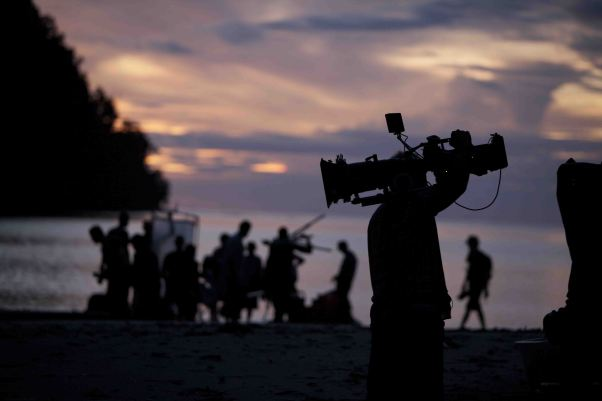 "<img src=""Cinematoraphy-Bhushan-Mahadani.jpg"" alt=""Cinematography Bhushan Mahadani"">"