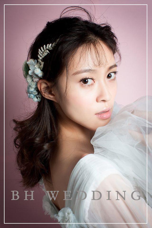 高雄婚紗工作室,新娘推薦新娘秘書團隊,服務新娘秘書服務,並提供乾燥花造型服務。