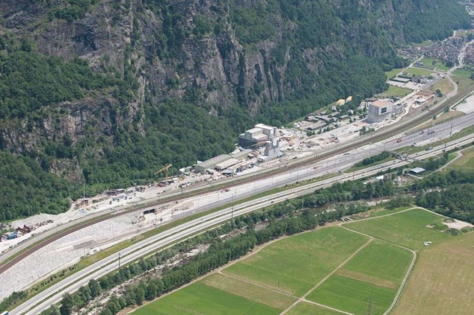 1460532596_Gotthard_T__neli_1____svi__re