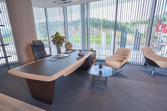 Mercedes Benz ofis alanı - ADDO NEL masa