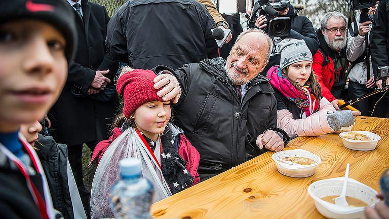 Antoni Macierewicz z dziećmi