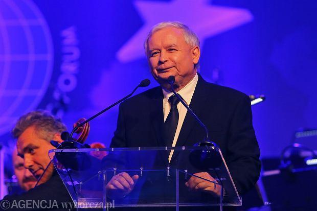 Jarosław Kaczyński odbiera nagrodę Człowieka Roku podczas Forum Ekonomicznego w Krynicy