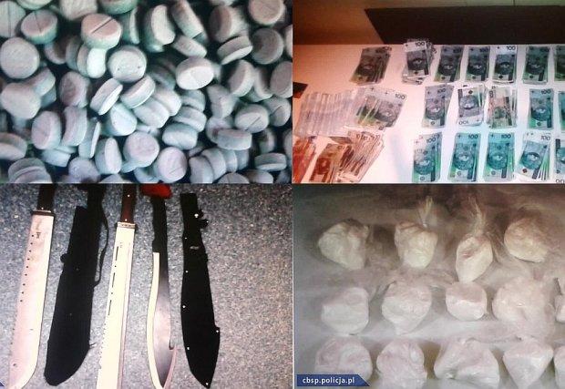 W sopockim mieszkaniu policjanci znaleźli narkotyki, białą broń i pieniądze