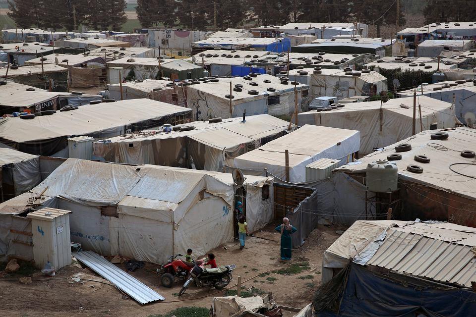 Obóz uchodźców w Deir Zanoun w Libanie. Kraj przyjął już ponad milion uciekinierów z Syrii