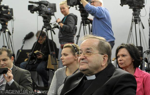 Ojciec Rydzyk przez większa część swojego czasu antenowego narzekał na fatalną kondycję finansową