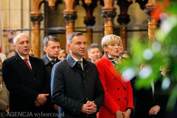 Andrzej Duda podczas obchodów piątej rocznicy<br /><br /> pogrzebu Marii i Lecha Kaczyńskich<br /><br /> na Wawelu