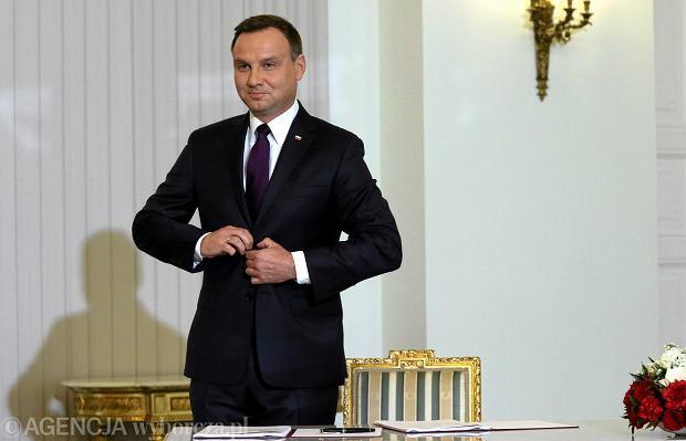 Prezydent podpisał ustawę o zmianie wieku emerytalnego. 21.09.2015 Warszawa, Pałac Prezydencki .