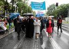 Radni, księża, politycy maszerują z ONR-em