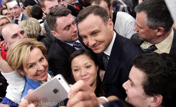 Po konwencji Andrzej Duda rozmawiał ze swimi wyborcami - jak widać, dał się prować klimatowi