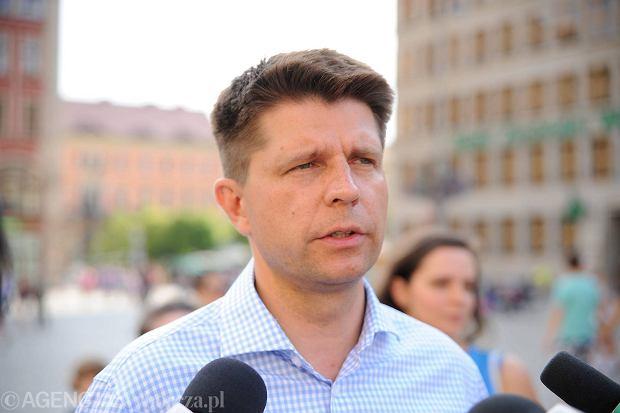 Ryszard Petru podczas sobotniej konferencji na wrocławskim Rynku.