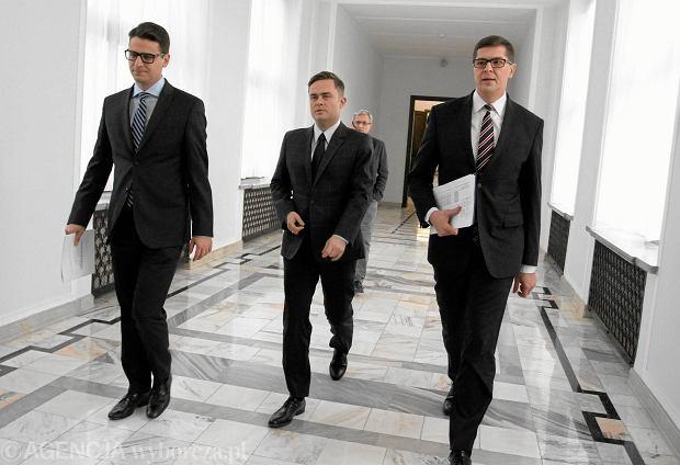 Byli posłowie Prawa i Sprawiedliwości: Antoni Kamiński, Adam Hofman i Adam Rogacki