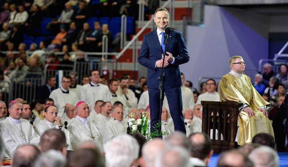 Prezydent Andrzej Duda podczas uroczystości z okazji 25. rocznicy powstania Radia Maryja w Toruniu.