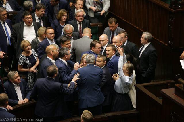 Znalezione obrazy dla zapytania rzad polski zmiany zdjecia