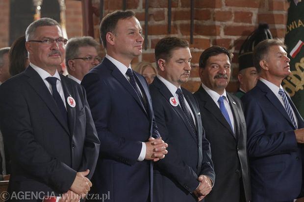 Krzysztof Dośla, prezydent Andrzej Duda, Piotr Duda i Janusz Śniadek na mszy w Bazylice św. Brygidy w Gdańsku, w ramach obchodów Sierpnia '80