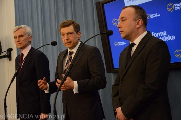 Konferencja prasowa podkomisji d.s. SKOK: Marcin Święcicki, Mariusz Witczak i Jarosław Charłampowicz