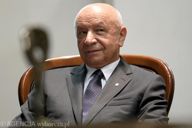 W komitecie inicjatywy ustawodawczej zasiadł odwołany dyrektor Szpitala im. Świętej Rodziny w Warszawie prof. Bogdan Chazan
