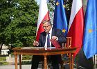Wybory prezydenckie 2015. Komorowski podpisał projekt nowelizacji konstytucji ws. JOW-ów