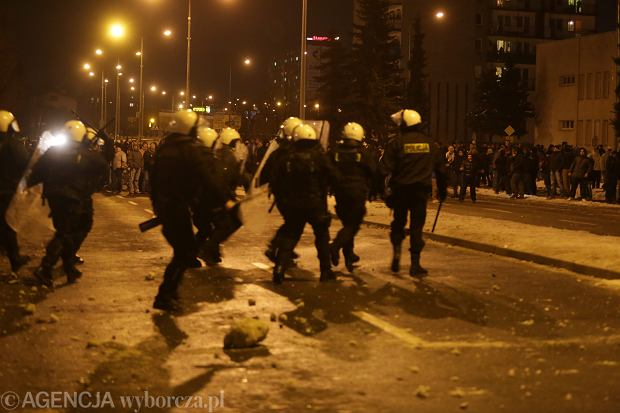 Zamieszki przed siedzibą Jastrzębskiej Spółki Węglowej