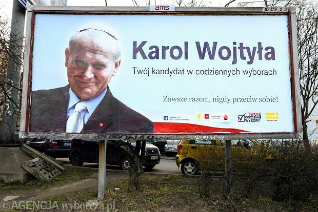 Warszawa, Wisłostrada. Billboard z wizerunkiem Jana Pawła II