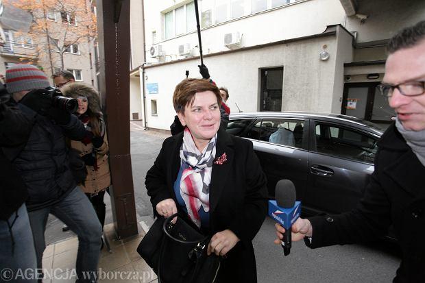 Beata Szydło przed posiedzeniem Komitetu Politycznego PiS w siedzibie partii przy ulicy Nowogrodzkiej w Warszawie