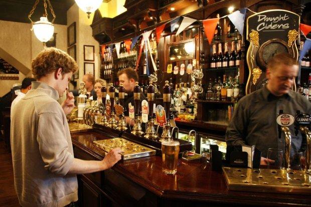Wnętrze jednego z londyńskich pubów