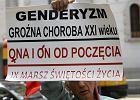 """Określenie """"neomarksistowska ideologia gender"""" nie ma sensu. Ale brzmi groźnie, a o to biskupom chodzi"""