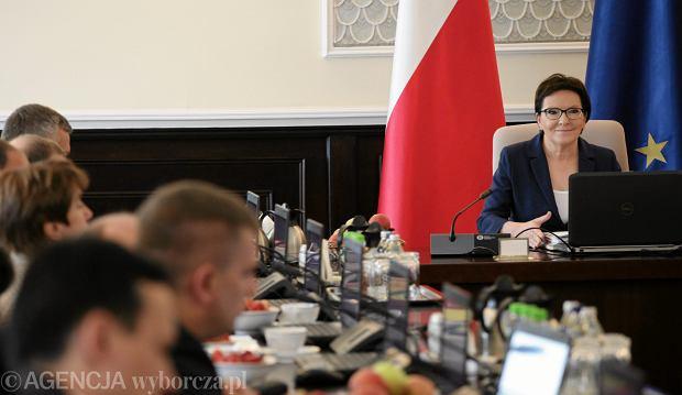 Premier Ewa Kopacz podczas posiedzenia Rządu, 02.06.2015