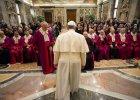 Papież przestrzega nowych kardynałów: Zachowajcie pokorę. Światowe życie zamroczy bardziej niż grappa na czczo