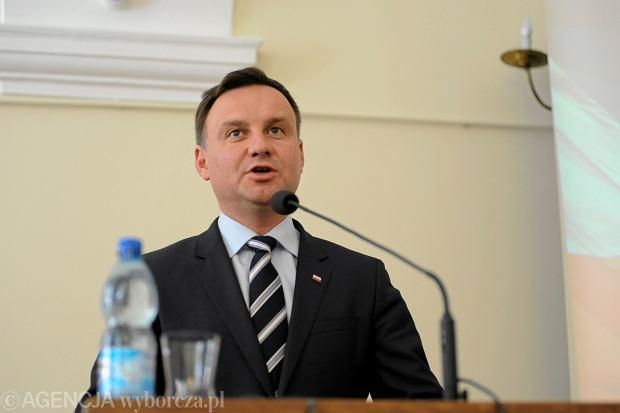Andrzej Duda po poniedziałkowej ratyfikacji ponownie stwierdził, że konwencja jest sprzeczna z polską tradycją i wszczepia nam obce wzorce<br /><br /> kulturowe.