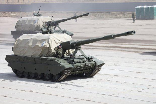 Rosyjskie wozy bojowe przed paradą zwycięstwa
