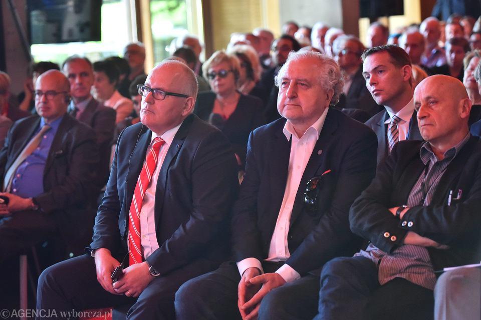 Uroczystość Człowiek Roku 'Gazety Wyborczej': Frans Timmermans, Andrzej Rzepliński, były prezes Trybunału Konstytucyjnego i obrońca jego niezależności oraz dziennikarz i publicysta 'Wyborczej' Maciej Stasiński